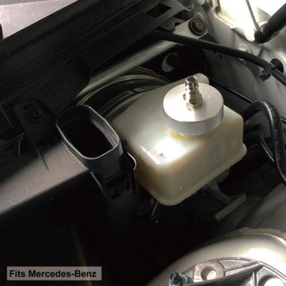Крышка для прокачивания тормозной жидкости на европейских автомобилях М46,5хP3,5 (Fiat, Land Rover, Mercedes-Benz, Opel, Peugeot, Renault, Volvo, VW) | TVK-03028